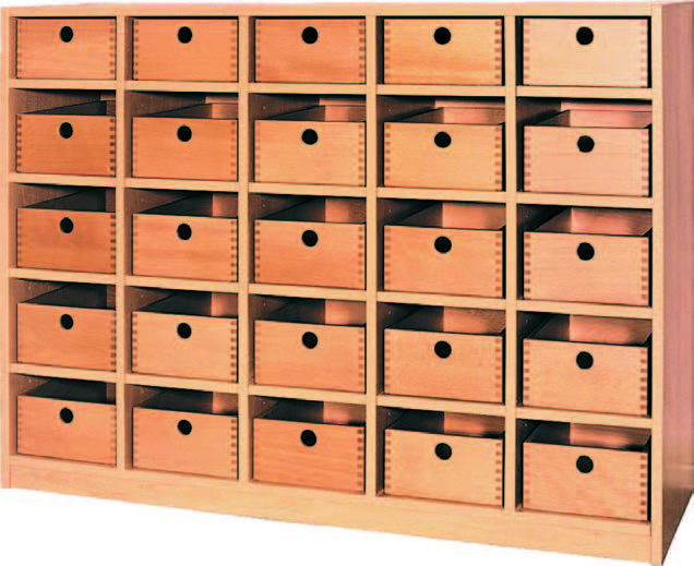f nfreihiges regal mit 25 holzschubk sten bildung einrichten. Black Bedroom Furniture Sets. Home Design Ideas