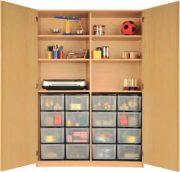 Schrank mit Aufbewahrungsboxen 09