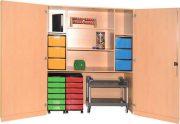 Schrank mit Aufbewahrungsboxen 15