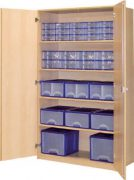 Schrank mit Aufbewahrungsboxen 22