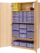 Schrank mit Aufbewahrungsboxen 23