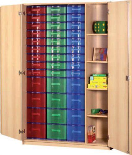 Schrank mit Aufbewahrungsboxen 30