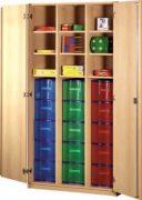 Schrank mit Aufbewahrungsboxen 31