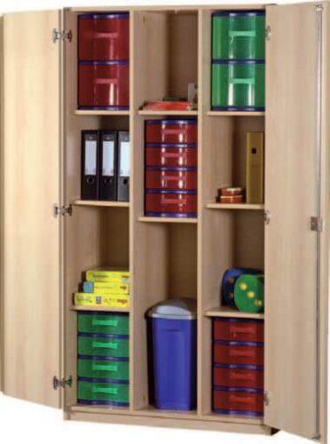 Schrank mit Aufbewahrungsboxen 37