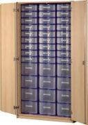 Schrank mit Aufbewahrungsboxen 38