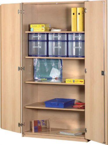 Schrank mit Aufbewahrungsboxen 44