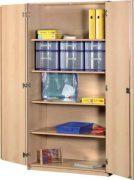 Schrank mit Aufbewahrungsboxen 49